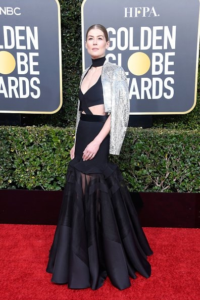 BEVERLY HILLS, CA - JANUARY 06:  Rosamund Pike attends the 76th Annual Golden Globe Awards at The Beverly Hilton Hotel on January 6, 2019 in Beverly Hills, California.  (Photo by Frazer Harrison/Getty Images)