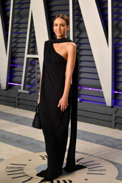 BEVERLY HILLS, CA - FEBRUARY 24:  Jessica Alba attends the 2019 Vanity Fair Oscar Party hosted by Radhika Jones at Wallis Annenberg Center for the Performing Arts on February 24, 2019 in Beverly Hills, California.  (Photo by Dia Dipasupil/Getty Images)