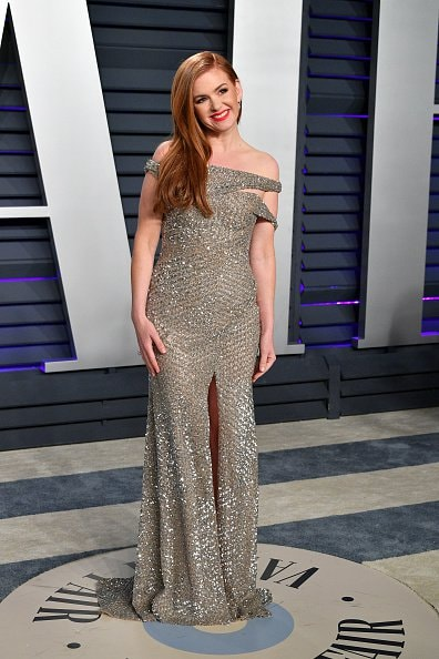 BEVERLY HILLS, CA - FEBRUARY 24:  Isla Fisher attends the 2019 Vanity Fair Oscar Party hosted by Radhika Jones at Wallis Annenberg Center for the Performing Arts on February 24, 2019 in Beverly Hills, California.  (Photo by Dia Dipasupil/Getty Images)