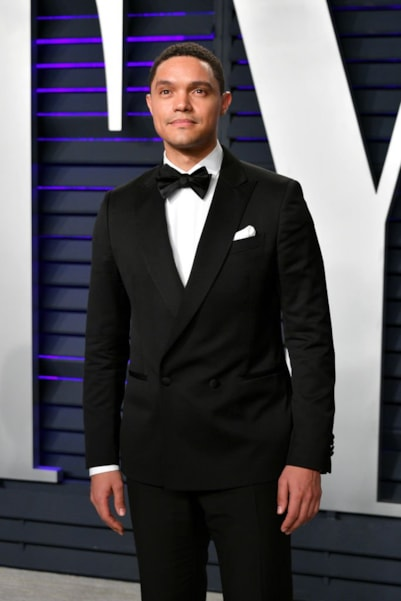 BEVERLY HILLS, CA - FEBRUARY 24:  Trevor Noah attends the 2019 Vanity Fair Oscar Party hosted by Radhika Jones at Wallis Annenberg Center for the Performing Arts on February 24, 2019 in Beverly Hills, California.  (Photo by Dia Dipasupil/Getty Images)