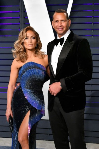 BEVERLY HILLS, CA - FEBRUARY 24:  Jennifer Lopez (L) and Alex Rodriguez attend the 2019 Vanity Fair Oscar Party hosted by Radhika Jones at Wallis Annenberg Center for the Performing Arts on February 24, 2019 in Beverly Hills, California.  (Photo by Dia Dipasupil/Getty Images)