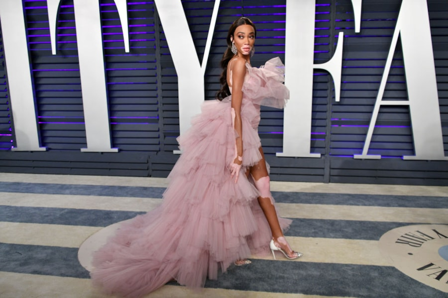 BEVERLY HILLS, CA - FEBRUARY 24:  Winnie Harlow attends the 2019 Vanity Fair Oscar Party hosted by Radhika Jones at Wallis Annenberg Center for the Performing Arts on February 24, 2019 in Beverly Hills, California.  (Photo by Dia Dipasupil/Getty Images)