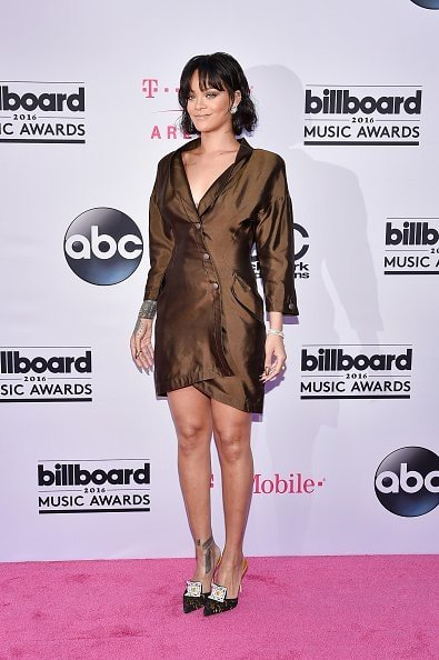 LAS VEGAS, NV - MAY 22:  Recording artist Rihanna attends the 2016 Billboard Music Awards at T-Mobile Arena on May 22, 2016 in Las Vegas, Nevada.  (Photo by David Becker/Getty Images)