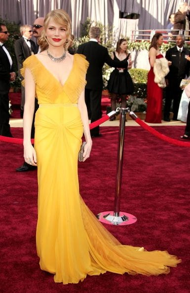Michelle Williams in Vera Wang (Photo by Frazer Harrison/Getty Images)