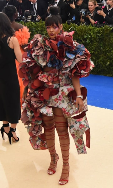 """NEW YORK, NY - MAY 01:  Rihanna attends the """"Rei Kawakubo/Comme des Garcons: Art Of The In-Between"""" Costume Institute Gala at Metropolitan Museum of Art on May 1, 2017 in New York City.  (Photo by Nicholas Hunt/Getty Images for Huffington Post)"""