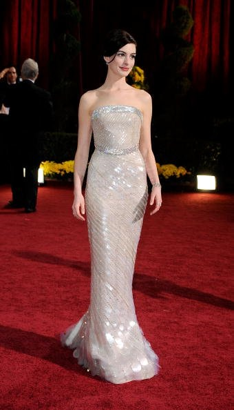 Anne Hathaway in Armani Prive (Photo by Frazer Harrison/Getty Images)