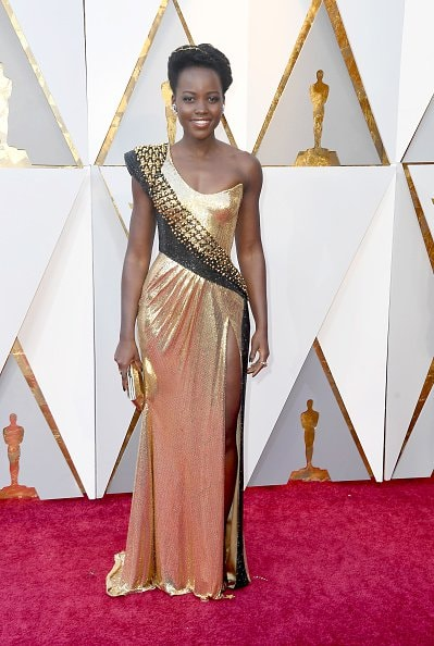 Lupita Nyong'o in Versace (Photo by Frazer Harrison/Getty Images)