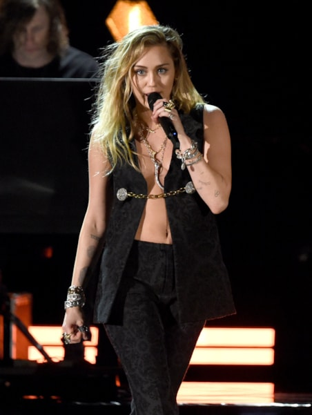 LOS ANGELES, CA - FEBRUARY 10:  Miley Cyrus performs onstage during the 61st Annual GRAMMY Awards at Staples Center on February 10, 2019 in Los Angeles, California.  (Photo by Kevin Winter/Getty Images for The Recording Academy)